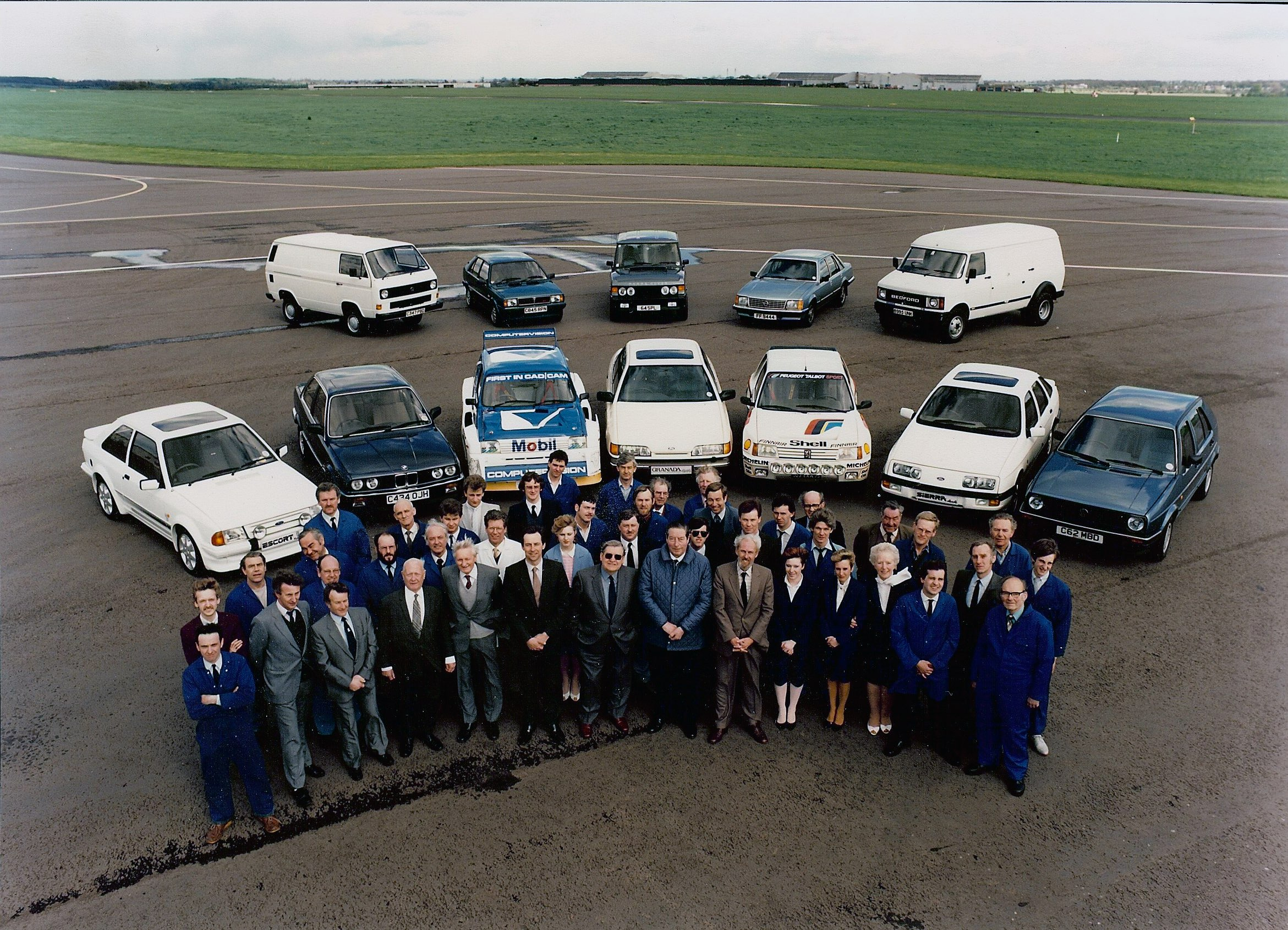 31 FFD staff and cars c1985